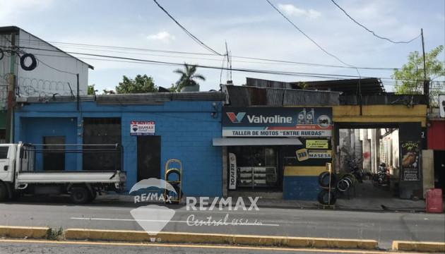 LOCALES EN VENTA EN ZONA DEL BOULEVARD VENEZUELA