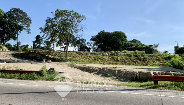 LAND FOR SALE IN SANTO TOMAS ON THE ROAD TO COMALAPA