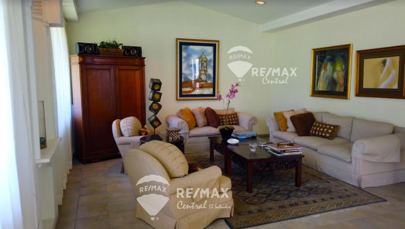 Remax real estate, El Salvador, San Salvador, LARGE HOUSE FOR SALE IN COL. ESCALON