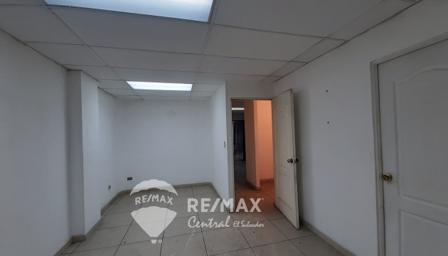LOCAL COMERCIAL EN VENTA PLAZA INTERMEDICA