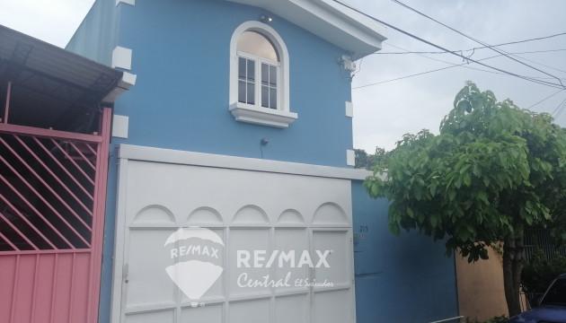 HOUSE FOR SALE IN REPARTO LOS HÉROES
