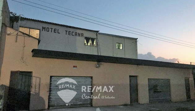 PROPERTY WITH BIG COMMERCIAL POTENTIAL FOR SALE IN SANTA ANA, NEAR FRANCISCO LARA BUS TERMINAL.