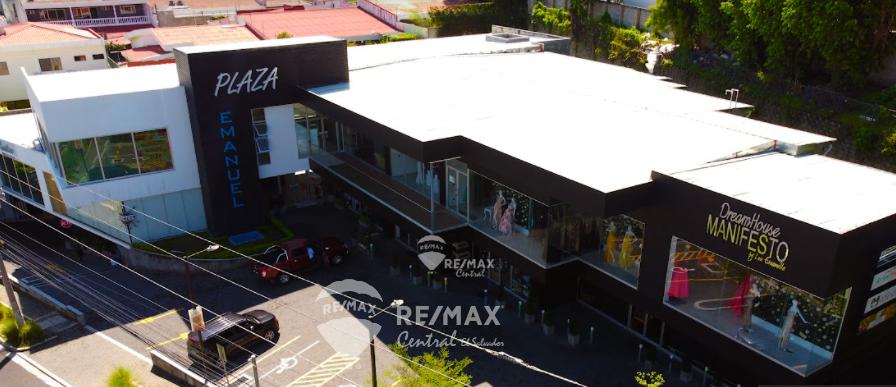 Remax real estate, El Salvador, Antiguo Cuscatlan, FOR RENT  COMMERCIAL LOCAL PLAZA EMANUEL