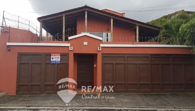 Casa en residencial cerrado en venta, Bosques de Santa Teresa