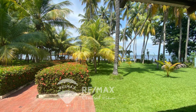 FOR SALE BEAUTIFUL RECREATIONAL PROPERTY IN  JIQUILISCO BAY USULUTAN