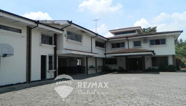 CASA EN VENTA COLONIA MAQUILISHUAT