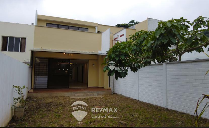 Remax real estate, El Salvador, Nuevo Cuscatlan, For rent spacious first level apartment in Condado Santa Elena