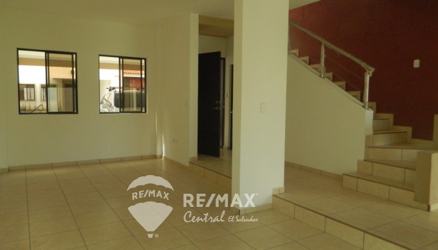 "FOR SALE ""BRUSELAS 1"" HOUSE IN PRIVATE COMPLEX RESIDENCIAL SINAI - SANTA ANA"