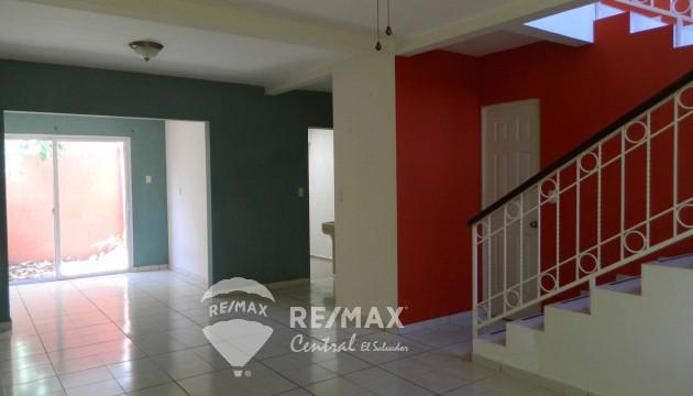 HOUSE IN SALE IN PRIVATE RESIDENTIAL BELLA GRANADA